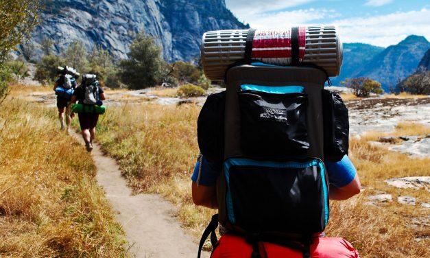 Les essentiels pour un voyage sac au dos réussi